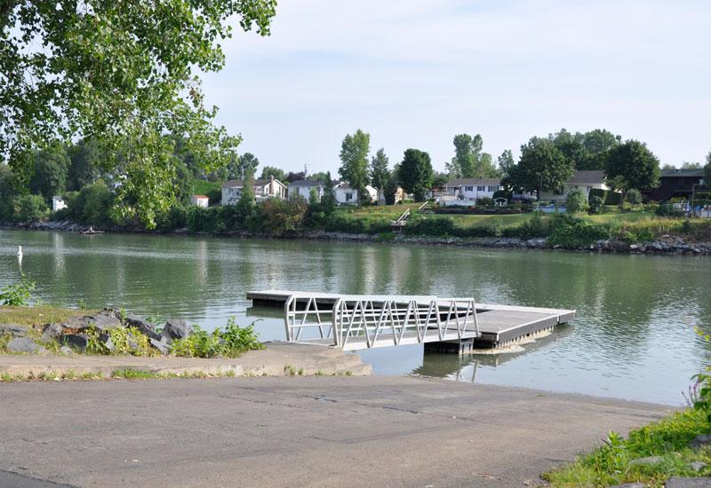 Rampe de mise à l'eau située au parc Dorimène-Desjardins (1215, rue Antaya)